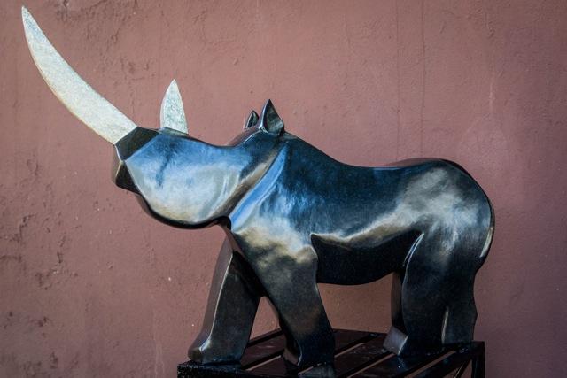 Dominic Benhura - last of it's kind - Zimbabwe stone sculpture rhinoceros