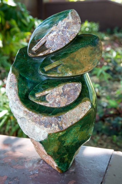ERNEST CHIWARIDZO - WATCHING FROM ABOVE - Zimbabwe stone sculpture